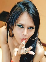 Ladyboy Longmint shows how to self suck