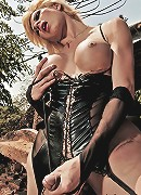 Hung fetish tranny domme Thayla Oliveira