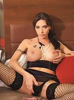 TS Mariana Cordoba is the Best Hung Shemale on Earth