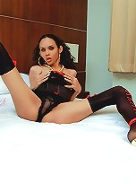 Huge hung tranny longmint horny and possesed