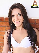 Cut curvy Brazilian babe!