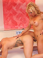 This stunning tranny is back in a new great hardcore now with Santiago Perez with the usual formidable performances.