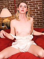 Mandy is a very sexy and very feminine 25 yr old with a a great smile