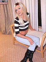 Paris loves sex and especially likes to show off in front of others, a fairly thin girl but with a huge fat cock which i\'m sure you\'ll all appreciate.