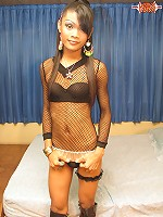 Ladyboy King Wants You to Let her Be the Queen.