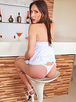 Flash and photos of leggy brunette shemale