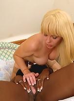 TS Joanna banging ebony woman Melvina Raquel