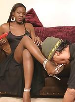 Hot Ebony Tranny Aniyah Gets Her Dick Sucked Dry