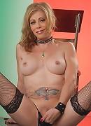 Sexy TMILF Jasmine Jewels showing it all