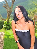 Super hot tranny Lorena Gatelli posing outdoors