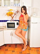 Naughty housewife Patricia Bismark