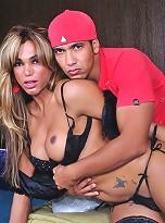 TS Mariana Fenix getting it on with Yago