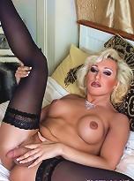 Astonishing Melissa Mendez Posing