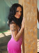 Super hot tgirl Foxxy posing in seductive dress