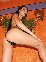 Raven haired shemale squirts jizz hot tub
